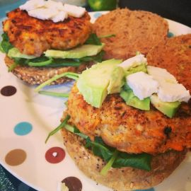 Turkey burgers with feta & avocado